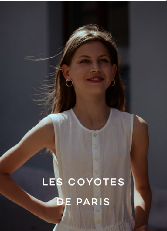 Les Coyotes De Paris starring Estelle